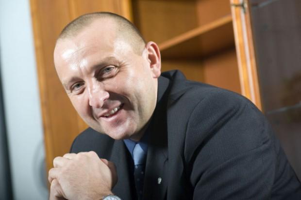Prezes NFZ zarzuca prof. Szczylikowi działanie na rzecz firm farmaceutycznych