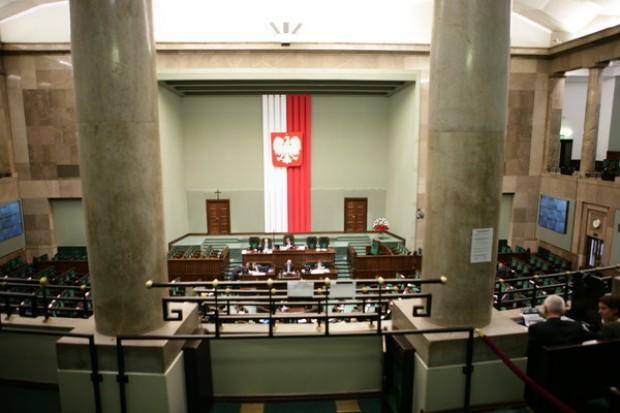 Sejm zgodził się na wyplatanie koszyka świadczeń - bliżej nam do współpłacenia?