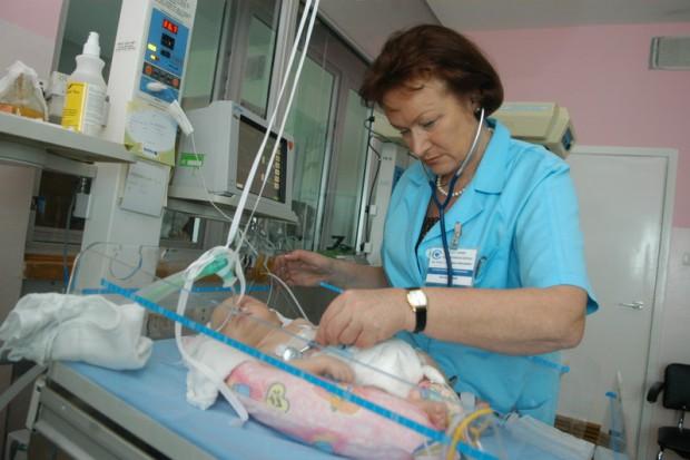 Kryzys w pediatrii: czy opłaca się leczyć dzieci?