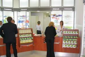 Przychodzą pacjenci do aptekarzy i nie mówią o działaniach niepożądanych leku