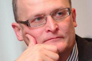 Paweł Grzesiowski: chodzenie po ulicy w maseczce, to farsa