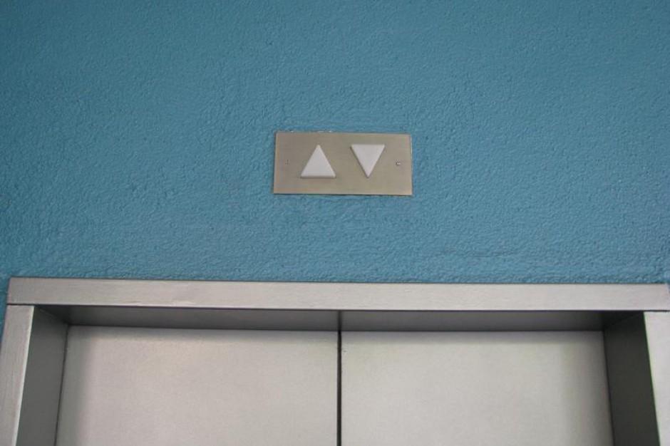 Rabka: paradoksy, czyli czy winda jest częścią szpitala?