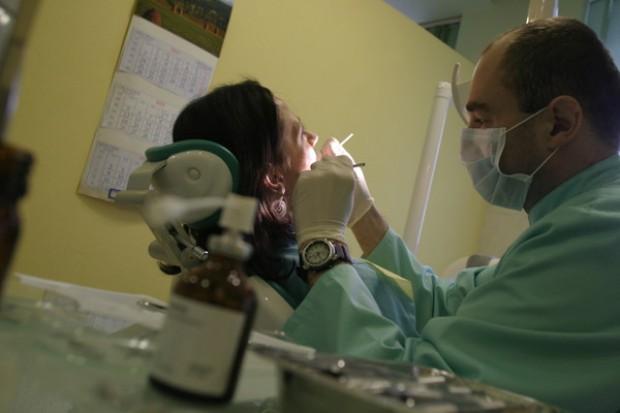 Kontraktowanie 2010: stomatologia jeszcze bardziej komercyjna