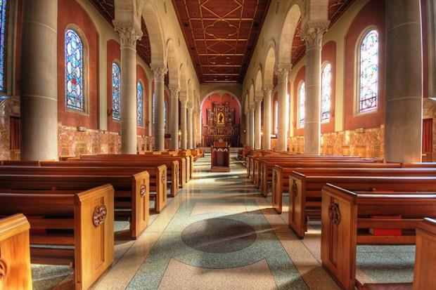 GIS apeluje do księży o higienę podczas mszy