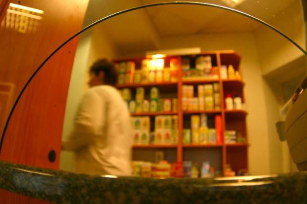 Resort rozmawiał technikami farmacji o sprzedaży leków w punktach aptecznych