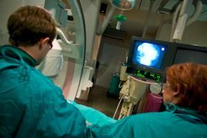 Resort zdrowia: pracownicy medyczni będą szczepieni przeciw grypie