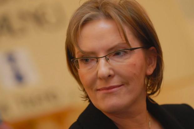 Ewa Kopacz: grypy coraz mniej