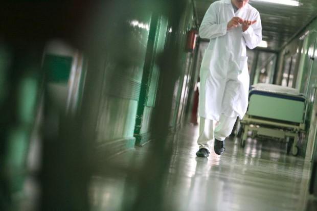 Łomża: bój szpitali o wyższe kontrakty popiera zarząd województwa