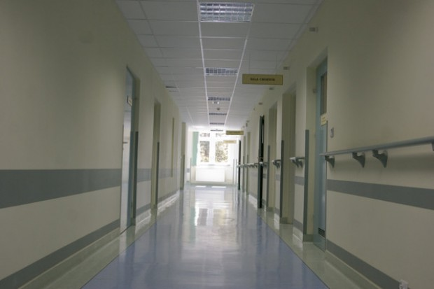 Warta: ruszając na odsiecz koleżance zaatakowali personel szpitala