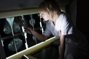 Dr Jerzy Giermek: trzeba zmienić zarządzenie w sprawie mammografii
