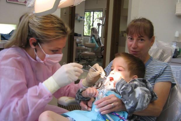 Lubuskie: nawet z bólem ciężko o wizytę u dentysty