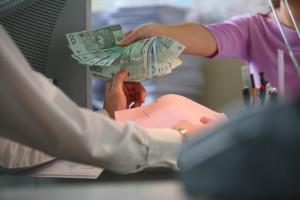 Przekształcane w spółki szpitale chcą tańszego pieniądza