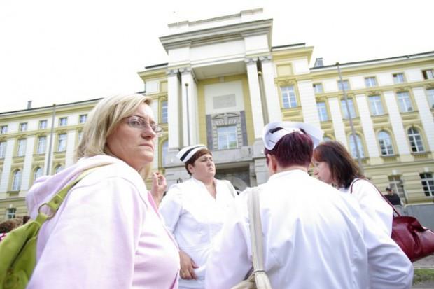 Skąd my to znamy: demonstracja tysięcy portugalskich pielęgniarek