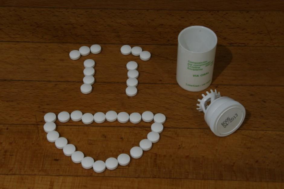 Ukraina: urzędnicy wolą zutylizować podarowne leki?