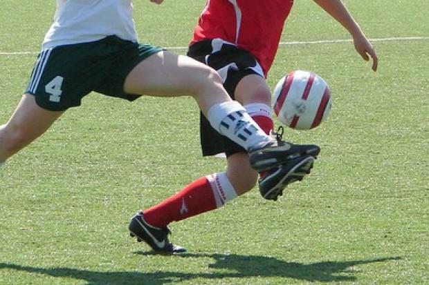 Duńscy badacze: Kopanie piłki może obniżać ciśnienie...