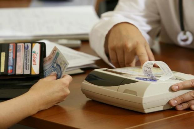 Kasy fiskalne dla lekarzy? Ten pomysł się nie spodoba