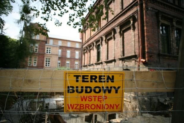 Warszawa: szpital praski inwestycyjną milę do przodu