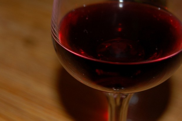 Recepta na szczupłą sylwetkę - dwie lampki czerwonego wina?