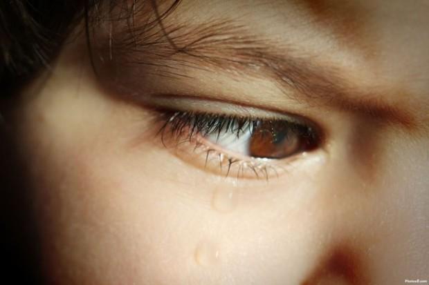 Lekarz też może pomóc maltretowanemu dziecku, ale ta decyzja nie jest prosta