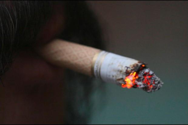 Nie sprzedawać małolatom papierosów!