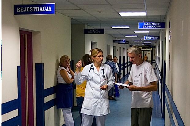Z życia koszyka: wymogi wobec szpitali nie tak restrykcyjne