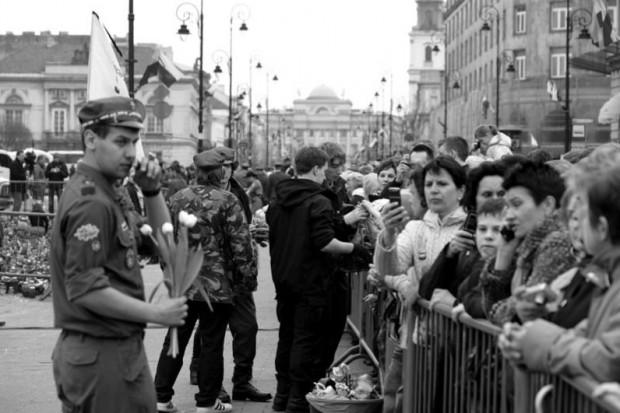 Wiele osób zasłabło pod Pałacem Prezydenckim