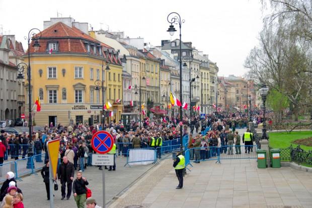 Zagraniczni korespondenci: Polacy zareagowali wyjątkowo na tragedię