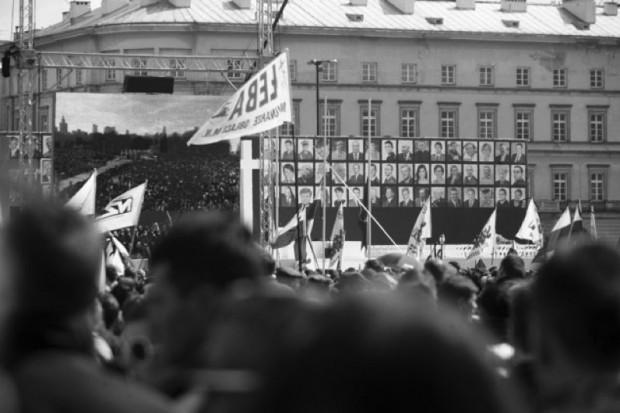 Warszawa: plan uroczystości żałobnych, gromadzą się tłumy
