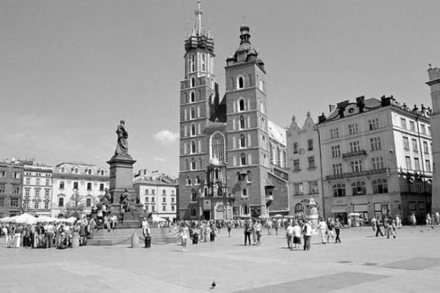 Kraków: ciała pary prezydenckiej w Bazylice Mariackiej