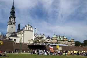 Jasna Góra: tysiące motocyklistów uczciły pamięć ofiar katastrofy pod Smoleńskiem