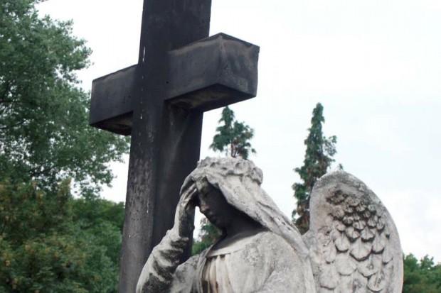 Kolejne pogrzeby ofiar katastrofy pod Smoleńskiem