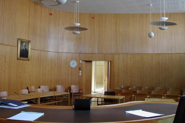 Zwolnienia lekarskie paraliżują pracę sądów