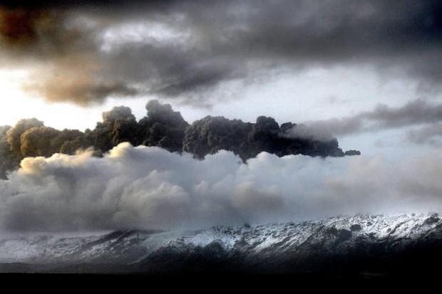 WHO: pył wulkaniczny na razie nieszkodliwy