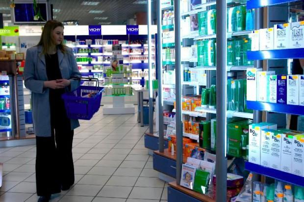 Hipermarkety wchodzą w rynek aptek