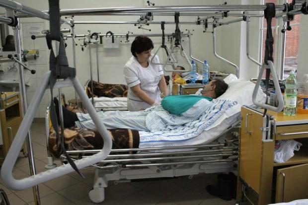 Raport NFZ: najwięcej kosztuje leczenie małej grupy najciężej chorych