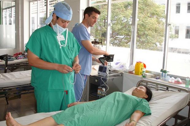 W klinikach chirurgii plastycznej coraz więcej pacjentów z zagranicy