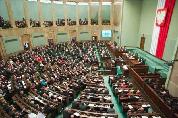 Warszawa: kolejny projekt ustawy zakazującej in vitro