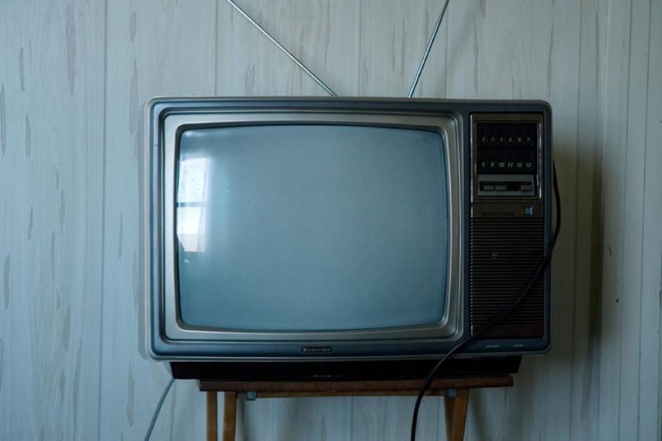 Im więcej telewizji, tym więcej kłopotów zdrowotnych u dzieci