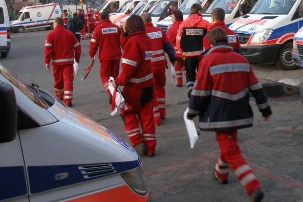 Zachodniopomorskie: czy zatrudniają ratowników jako pielęgniarki niezgodnie z prawem?