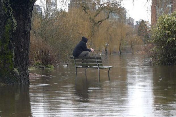 Śląskie: trudna sytuacja powodziowa, ale szpitale bezpieczne