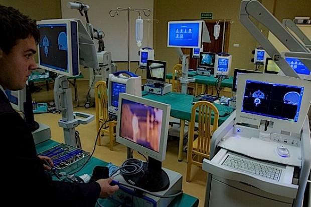 """Techniki endoskopowe: nawet """"GPS"""" nie zastąpi wiedzy i umiejętności lekarza"""
