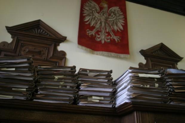 """Łódź: """"łowca skór"""" nie usłyszał wyroku w sprawie """"agenta ciemności"""""""
