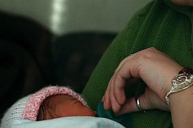 Wielka Brytania: przybywa kobiet rodzących po czterdziestce