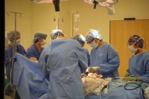 Trzebnica: przeszczepili pacjentowi obie ręce