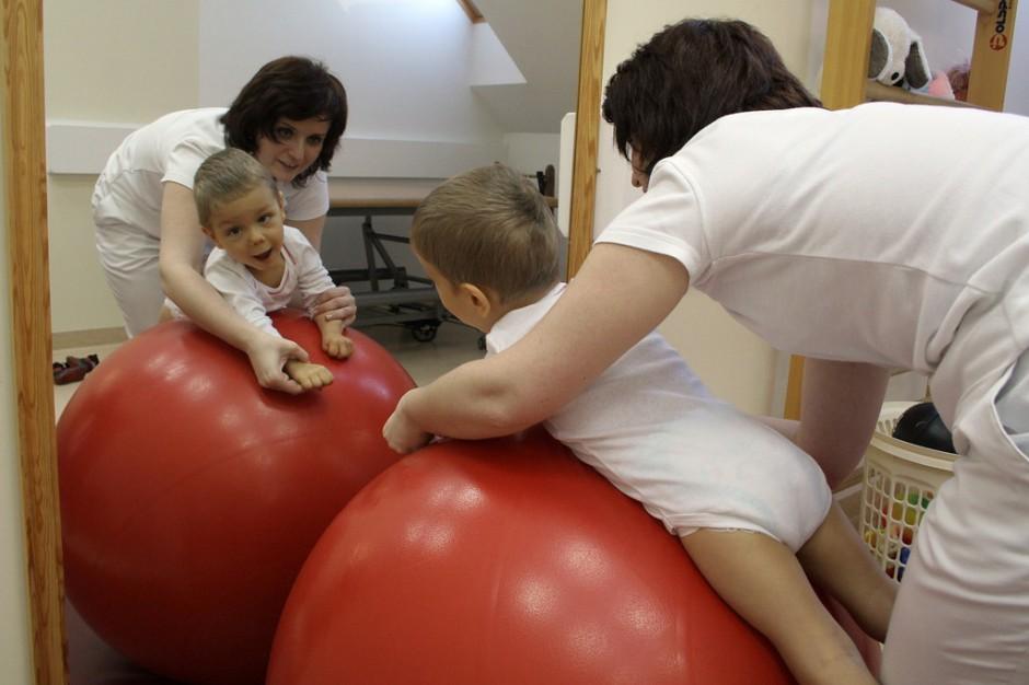 Czy niepełnosprawne dzieci skorzystają z rehabilitacji leczniczej?
