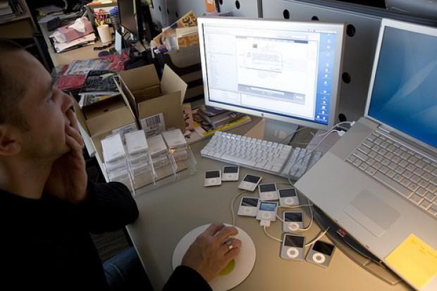 Psychiatrzy alarmują: technologia nie sprawi, że mózg będzie pracował lepiej