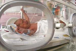 Naukowcy o florze bakteryjnej noworodków