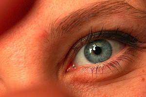 Milimetrowy fragment rogówki ratuje oko