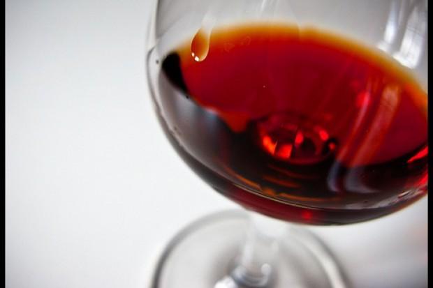 Czerwone wino chroni przed utratą wzroku?