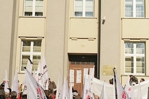 Bytom: załoga szpitala walczy o dyrektora